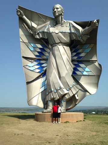 """Dignity"" 50-foot tall statue on bluff above Chamberlain, SD"